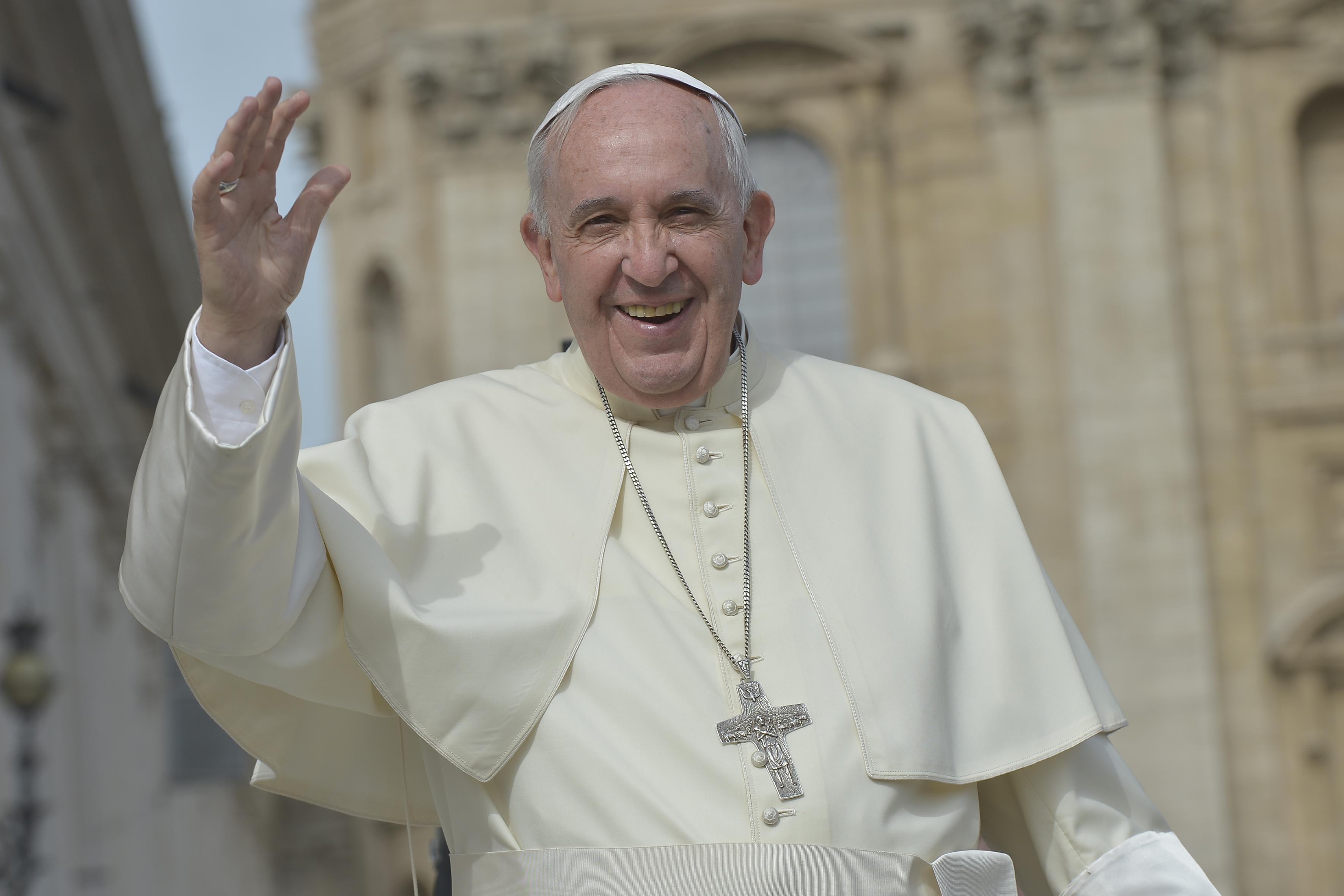 L Elicottero Del Papa : Atterra l elicottero del papa prove generali per la