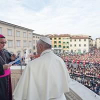 Il saluto del vescovo Agostinelli sul pulpito di Donatello