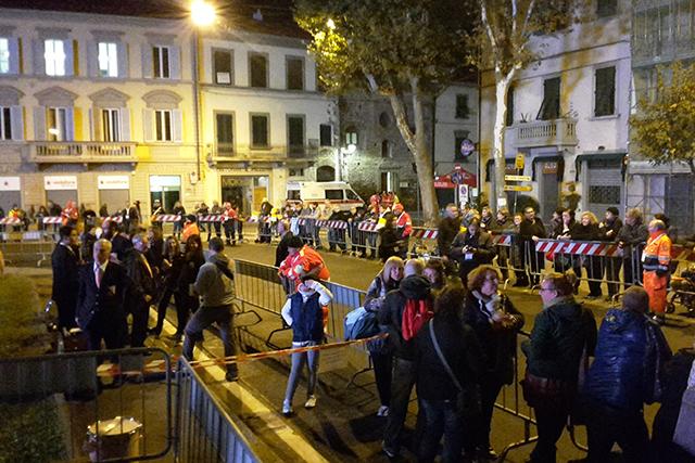 In attesa fin dalla notte in piazza San Marco