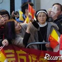 La comunità cinese rappresentata in piazza del Duomo