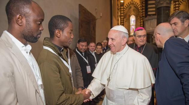 L'incontro del Papa con le comunità straniere
