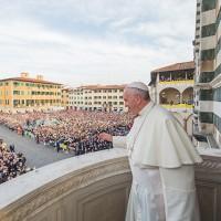 Papa Francesco sul Pulpito di Donatello con il vescovo