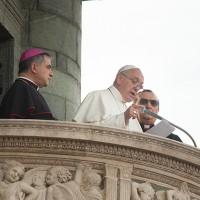 Un momento del discorso del Papa a Prato