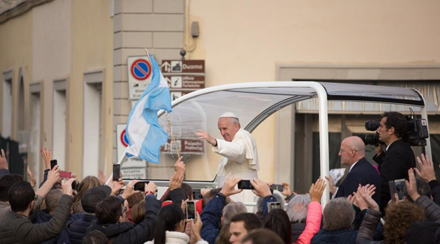 Una bandiera argentina per il Papa