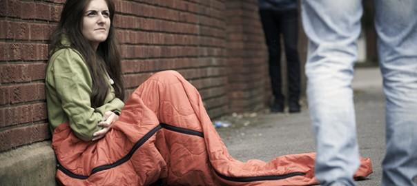 Donna senza tetto