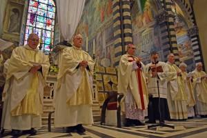 messa crismale 2016 vescovi e canonici
