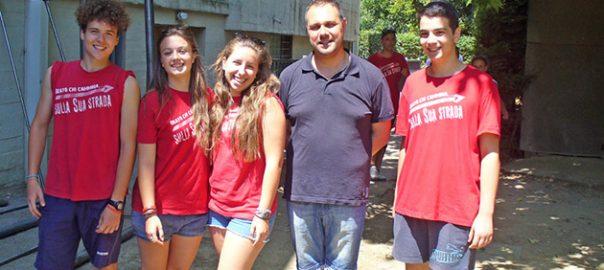 don Alessio con i ragazzi di grignano