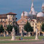 I cresimandi in pellegrinaggio a Padova con il vescovo Franco