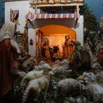La mostra dei presepi parrocchiali nel chiesino di via Garibaldi