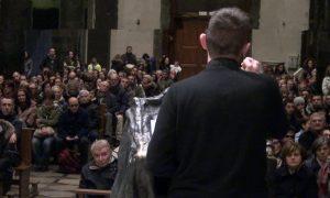 Don Epicoco in cattedrale: «Ecco cosa vuol dire avere una fede che brucia!»