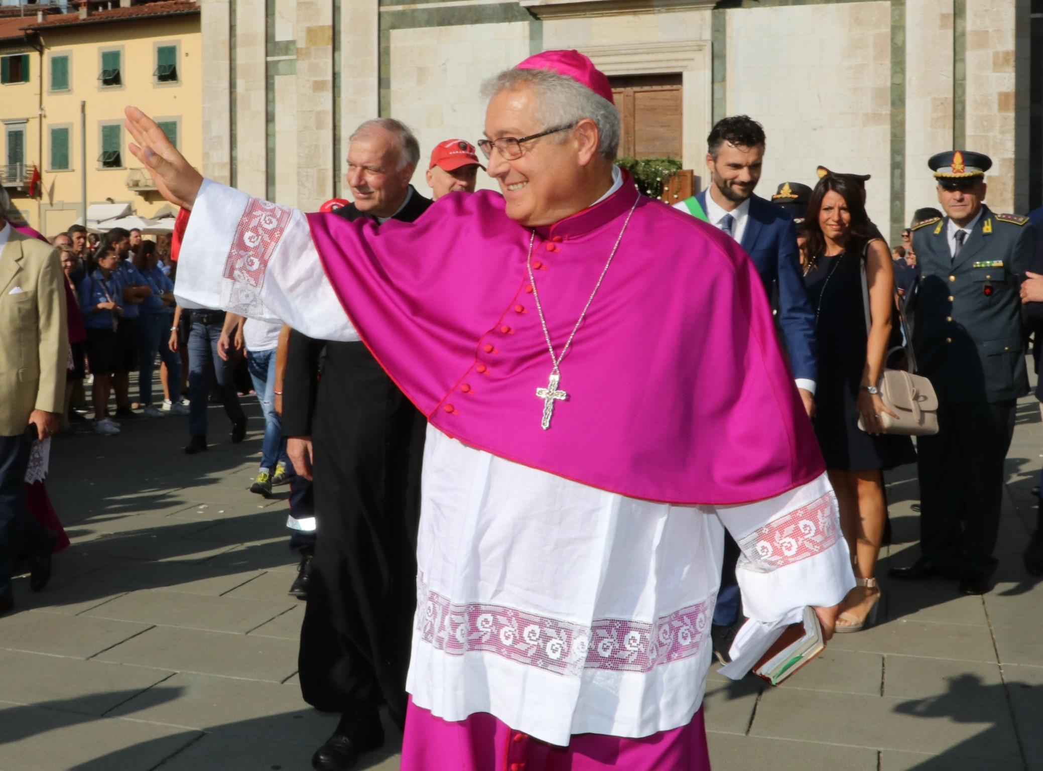 L'ingresso del Vescovo Giovanni Nerbini a Prato - DIOCESI ...