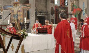 Il vescovo Giovanni a piedi da Prato e Pistoia per l'Anno Santo Iacobeo